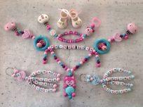 Set: Schnullerkette mit Doppelname, Kinderwagenkette und 2 Schlüsselanhänger 4-Strang
